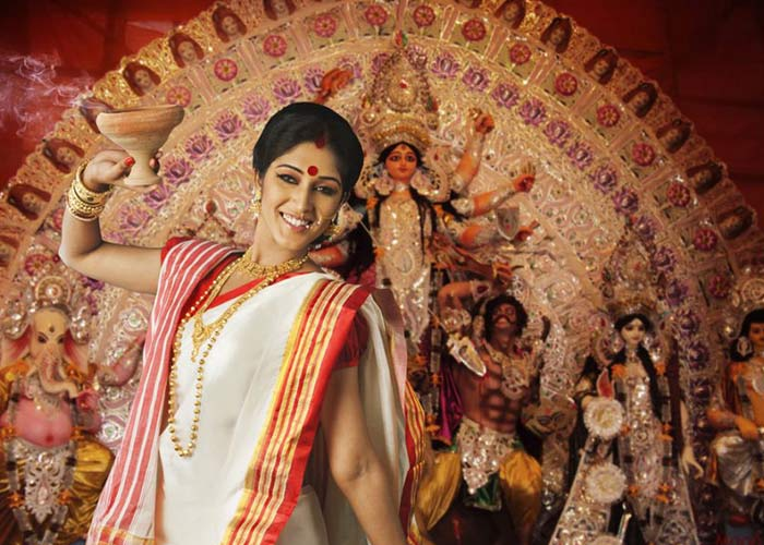 essay on pandal hopping in durga puja