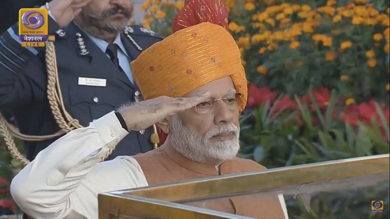 Prime Minister Narendra Modi paying floral tribute
