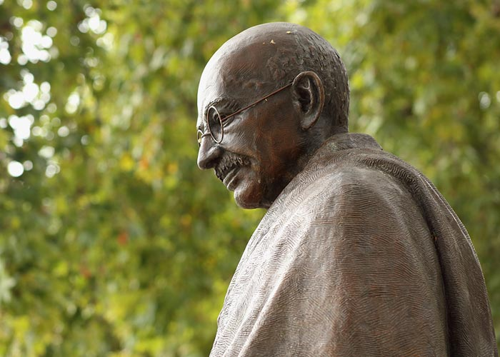 essay on gandhi jayanti in hindi